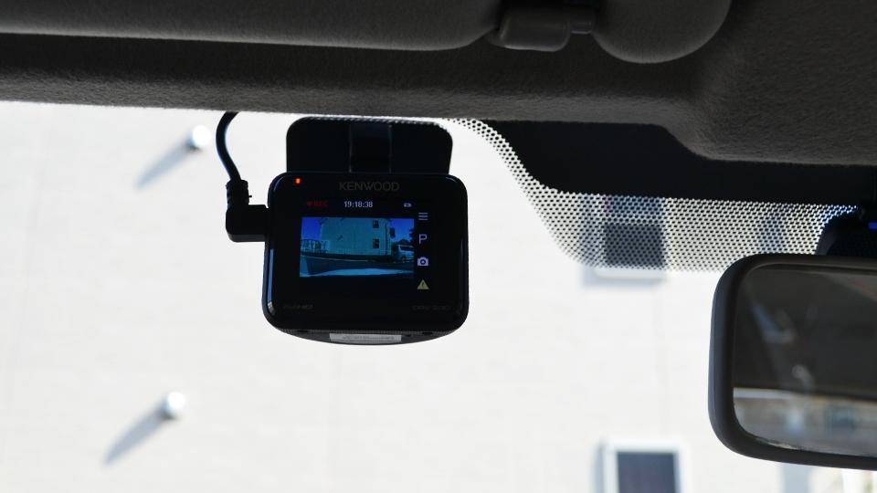 アルテッツァに取り付けたドライブレコーダー DRV-230(ケンウッド)